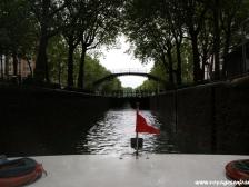 Канал Сен Мартен, Canal Saint-Martin, фото Парижа, достопримечательности, кораблик