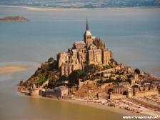 Мон Сен Мишель, Le Mont-Saint-Michel, фото туристов, монастырь Мон Сен Мишель, история Франции