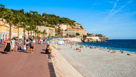 Пляж для некурящих в Ницце