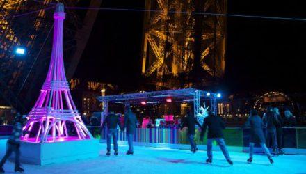 В Париже началось строительство катков