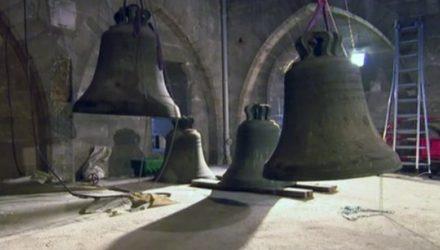 Замена колоколов в Нотр-Дам де Пари