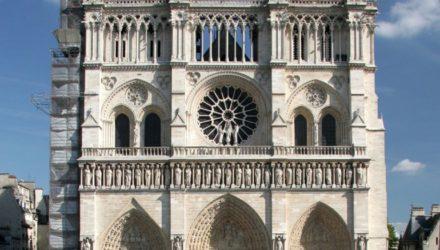 Нотр-Дам — самая популярная достопримечательность Парижа