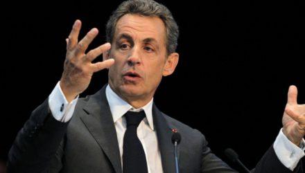 Обещание Саркози открыть магазины в воскресенье