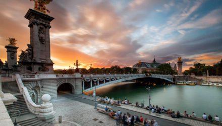 Мост Александра Третьего — самый красивый мост Парижа