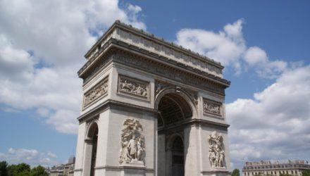 Триумфальная арка — символ величия французской армии