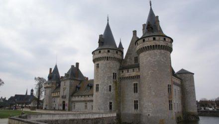 Сюлли-сюр-Луар (Sully-sur-Loire)