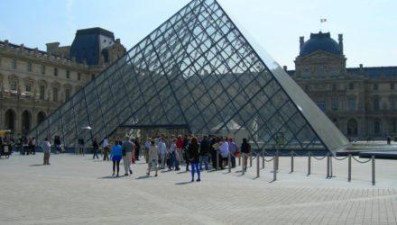 Лувр (Louvre)
