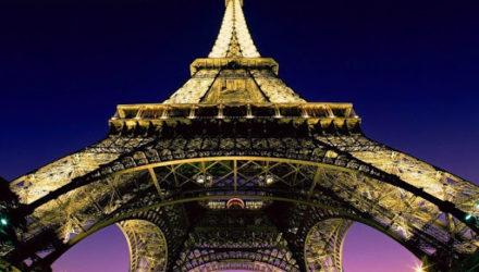 Эйфелева башня стала самым дорогим памятником в Европе